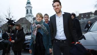 Die Eröffnung – im Bild «Tscharniblues II»-Regisseur Aron Nick – war ein Höhepunkt für Direktorin Seraina Rohrer (links).