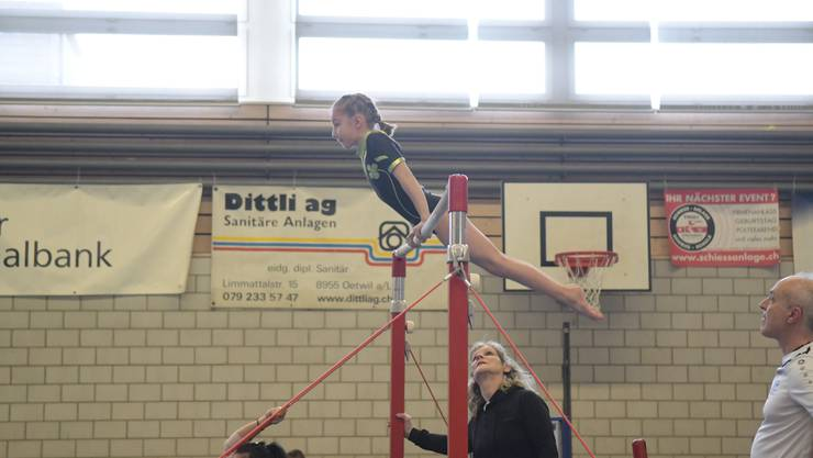 Trainerin Emmi Schmid war am Limmat-Cup ebenso konzentriert wie ihre Schützlinge. Mit den Resultaten war sie zufrieden: «Die Mädchen habe das toll gemacht.»