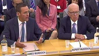 Vater und Sohn Murdoch vor dem britischen Parlamentsausschuss