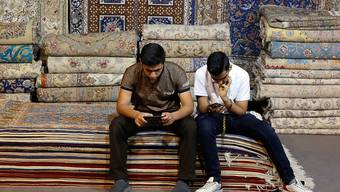 Von den bisherigen US-Sanktionen gegen den Iran war auch die Teppich-Industrie und deren Exporte betroffen. (Symbolbild)