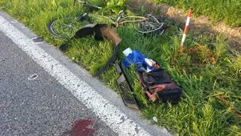 Fabian K. dachte, es sei ein Reh gewesen, welches er im Juni 2014 in Dintikon angefahren hat. In Wirklichkeit war es der 28-jährige Simon H. Der bekiffte Fahrer liess ihn einfach am Strassenrand liegen.