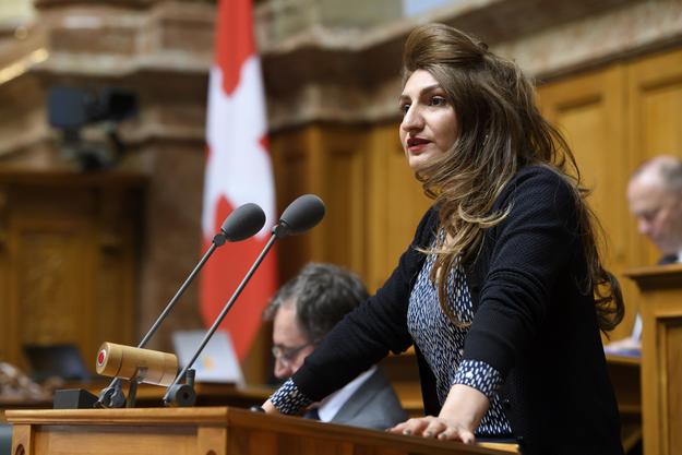 Die Grünen-Politikerin Sibel Arslan hat eine parlamentarische Initiative eingereicht, die Stimmrechtsalter 16 fordert.