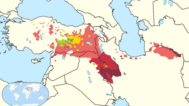 Kurdische Dialekte: Hellrot = Kurmandschi, Rot = Sorani, Dunkelrot = Pehlewani. Grün = gemischte Zonen. Zazaki (Gelb) und Gorani (Orange) sind keine kurdischen Dialekte, sondern andere iranische Sprachen.