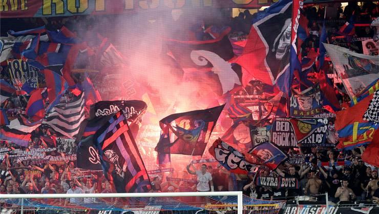 FC-Basel-Fans in der Muttenzerkurve. (Symbolbild)