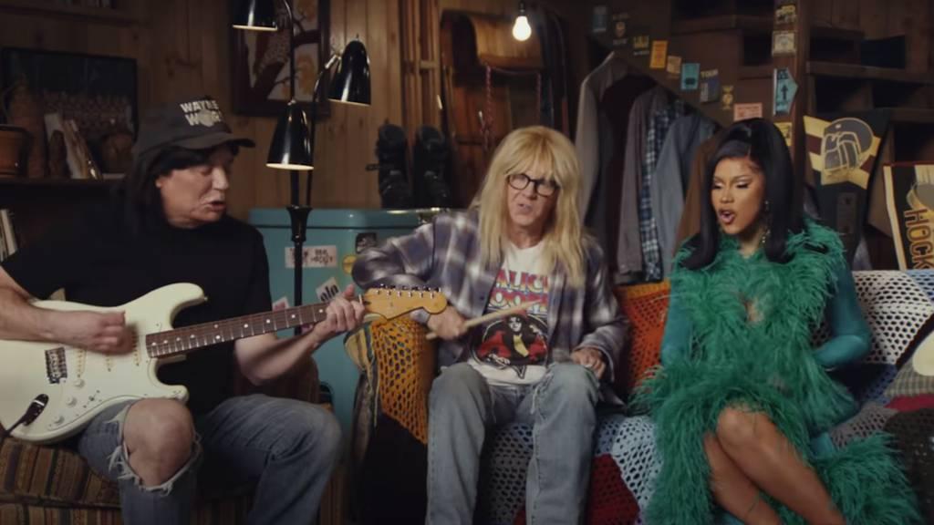 Dolly Parton, Wayne's World und Corona: Das bringt die Super-Bowl-Werbung