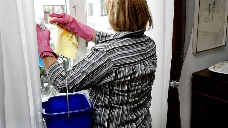 Der NAV für Arbeitnehmende in Haushalten wird einer Totalrevision unterzogen.