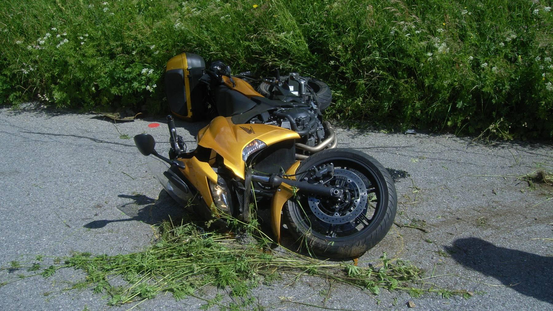 Zwei Verletzte bei Motorradunfall am Sustenpass