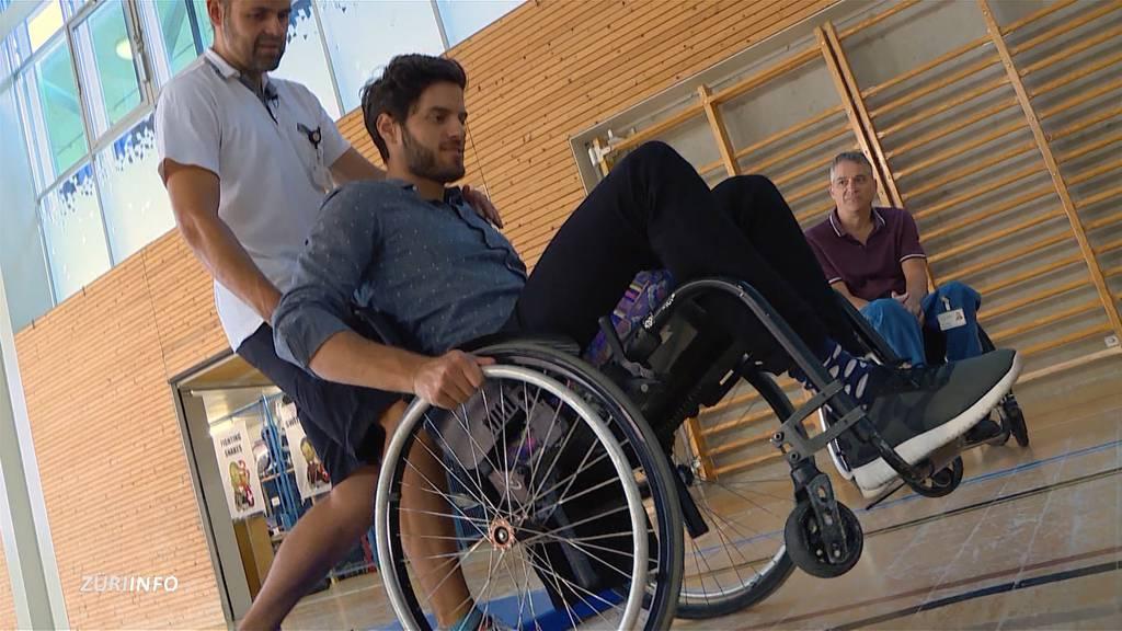 Maximilian Baumann lebt für eine Woche im Rollstuhl