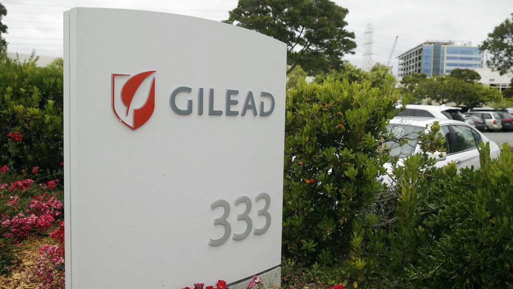 Dank der Einigung zwischen dem BAG und dem US-Pharmariesen Gilead auf einen «wirtschaftlichen Preis» für die Medikamente Harvoni und Epclusa sind künftig alle Hepatitis C-Behandlungen von der Grundversicherung gedeckt. (Archivbild)