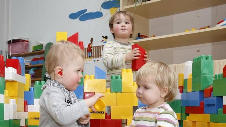 Einen Preismissbrauch konnte anhand der Stichprobe von 28 Kinderkrippen nicht festgestellt werden. Doch die landesweiten Maximaltarife variieren sehr stark.