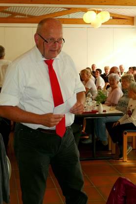 Gemeindeammann Mich Weber begrusst Jubilare und Gäste