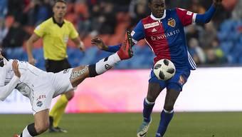 Mit seinem vierten Saisongoal in der Super League sichert Dimitri Oberlin dem FC Basel in Thun drei Punkte
