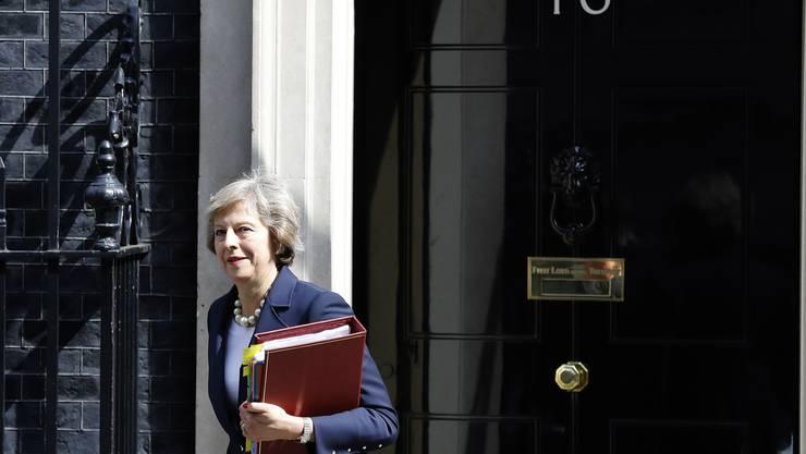 Premierministerin Theresa May ist schon jetzt «sehr beschäftigt» an der Downing Street.