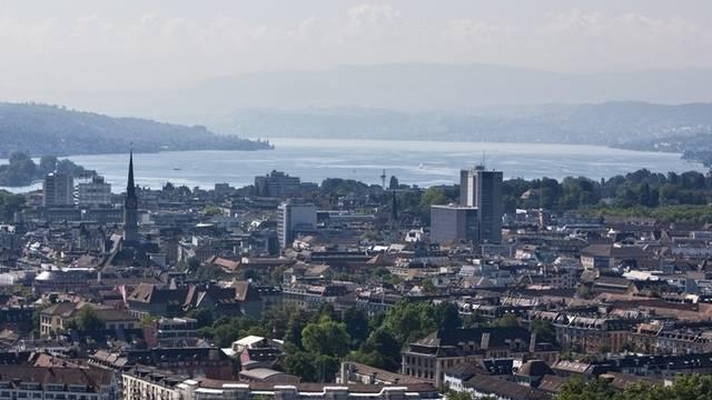 """Laut """"Bilanz"""" die lebenswerteste Stadt der Schweiz: Biick auf Zürich (Archiv)"""