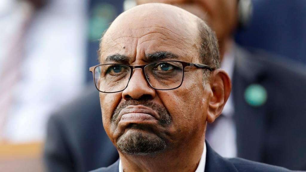 Prozess gegen Sudans Ex-Präsidenten Al-Baschir wegen Putsch 1989