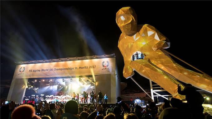 Die imposante Holzskulptur «Edy» war das Maskottchen der Ski-Weltmeisterschaft in St. Moritz. KEYSTONE/URS FLÜELER