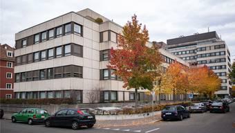 Die Merian-Iselin-Klinik will ab Mai nächsten Jahres ihre Platzprobleme lösen und deshalb anbauen. Mehr Betten wird es dennoch nicht geben.