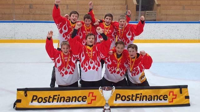 Sie sind damit Schweizer Meister im Schüler-Eishockey.