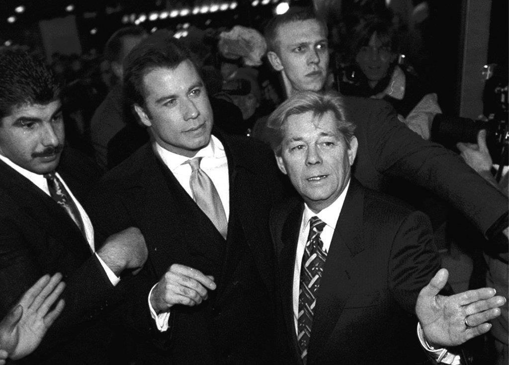 John Travolta (© 1996 tritt Travolta mit seinem Film «Get Shorty» in Berlin auf.)