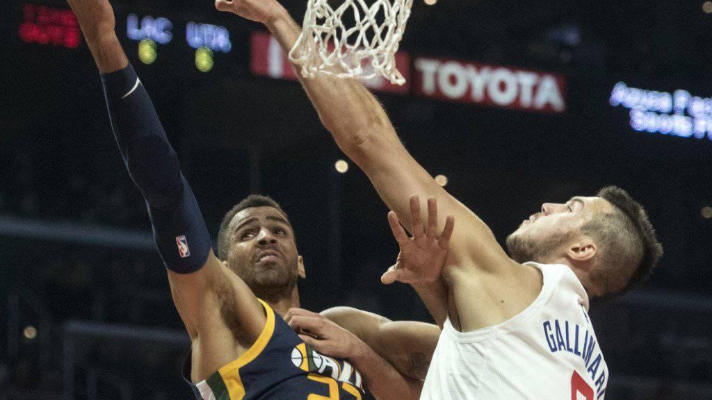 Thabo Sefolosha (links) von den Utah Jazz gegen Danilo Gallinari von den Los Angeles Clippers