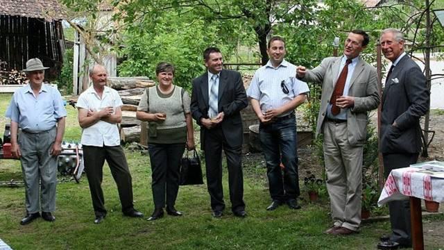 Prinz Charles (rechts) weilt in Rumänien