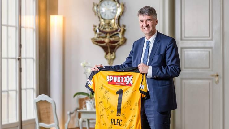 Alec von Graffenried – hier bei einem Interviewtermin 2018 – schafft die erste Hürde zur Wiederwahl als Stadtpräsident von Bern problemlos.