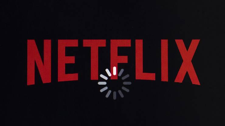 Der Streaming-Anbieter Netflix hat zahlreiche Neukunden gewonnen - allerdings ging der Gewinn im abgelaufenen Geschäftsquartal deutlich zurück. (Archivbild)