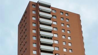 Das markante Hochhaus am Rütteliweg gegenüber der Reha-Klinik. ach
