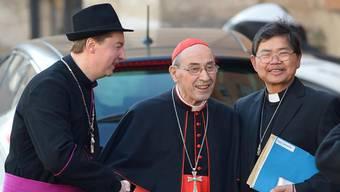 Der falsche BIschof (links) posiert mit Kardinal Sebiastiana