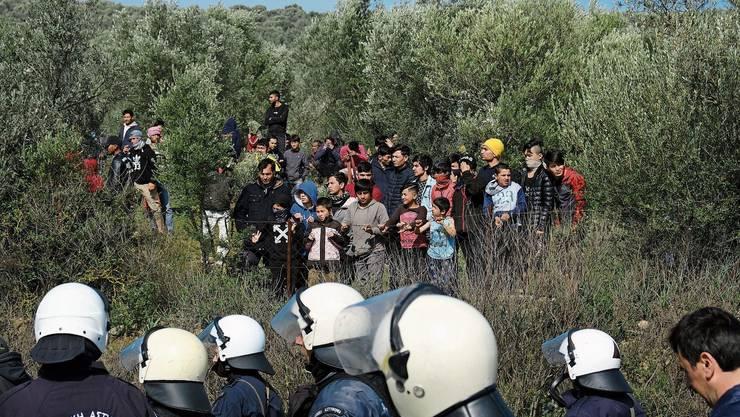 Gestrandet auf Lesbos: Migranten strömen aus der Türkei auf die griechischen Inseln. Unklar ist, wie viele kommen.