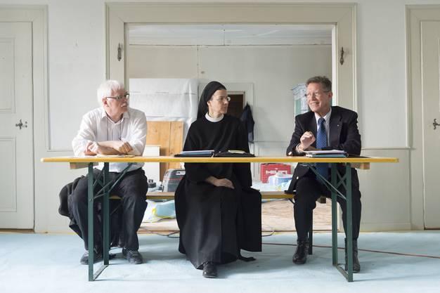 Architekt Castor Huser, Priorin Irene und Badens alt Stadtammann Josef Bürge informierten über die Arbeiten