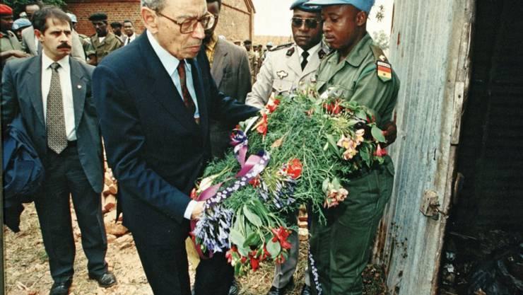 Der ehemalige UNO-Generalsekretär Boutros Boutros-Ghali gedenkt der Opfer des Bürgerkriegs in Ruanda: 22 Jahre nach dem Völkermord leitet die Staatsanwaltschaft Untersuchungen gegen 20 Franzosen ein. (Archivbild)