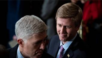 Bald in der Trump-Administration? Nick Ayers (hinten).