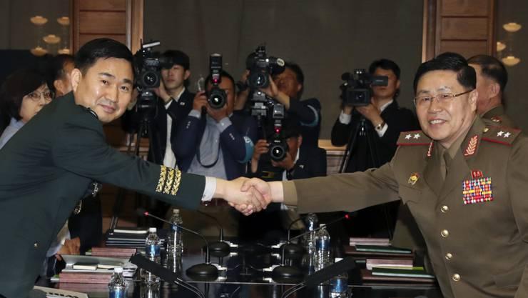 Hochrangige Militärvertreter Nord- und Südkoreas haben am Donnerstag erstmals seit rund zehn Jahren wieder Gespräche aufgenommen.