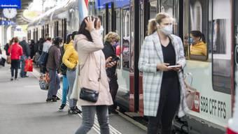 «Wer eine Maske trägt, schützt seine Mitmenschen. Wenn das alle tun, dann ist man selber auch geschützt», sagt Kagerbauer gegenüber der «NZZ».