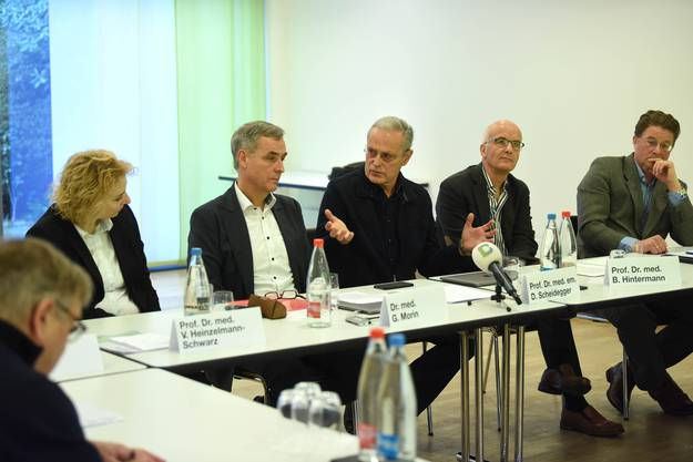 Viola Heinzelmann, Guy Morin, Daniel Scheidegger, Beat Hintermann, Balthasar Stähelin (v.l.)