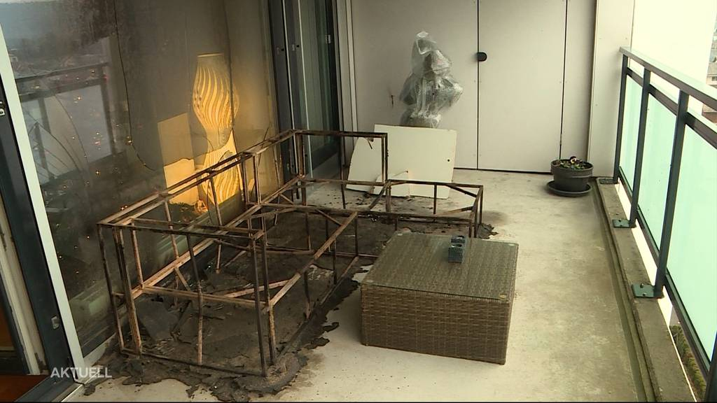 Silvester-Feuerwerk setzt Nacéra Berais' Balkon in Brand