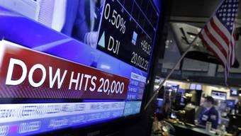 Das gab es in der 130-jährigen Geschichte des Dow Jones noch nie: Erstmals kletterte der US-Börsenindex auf über 20'000 Punkte.