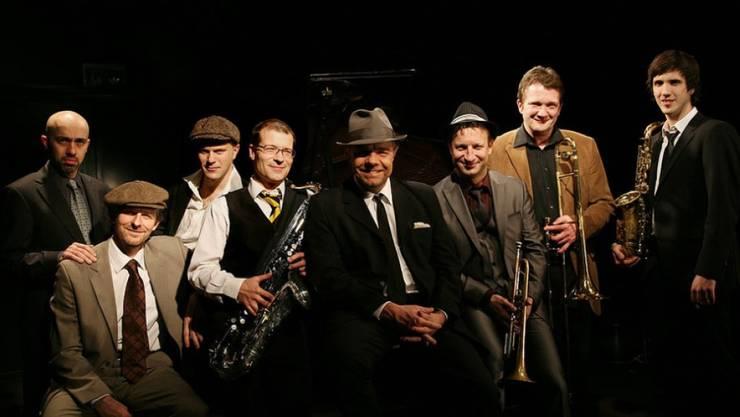 """Die Sinatra Tribute Band & Max Neissendorfer sind für ihr Album """"A Man And His Music"""" für einen Swiss Jazz Award nominiert (Pressebild)."""