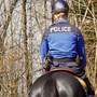 Der Kanton Jura setzt Reiterbrigade zur Kontrolle der Coronavirus-Massnahmen ein.