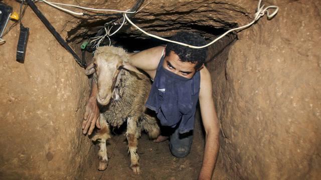 In einem plästinsensischen Schmugglertunnel