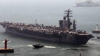 """Flugzeugträger """"USS Nimitz"""" verlässt Hafen von Busan"""