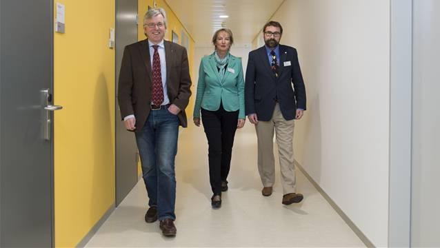 Von links nach rechts: Rainer Klöti, Vize VR-Präsident; Susanna Mattenberger, Geschäftsführerin und Andreas Meyenberg, Ärztlicher Leiter des Medizinisches Zentrums Brugg (MZB).