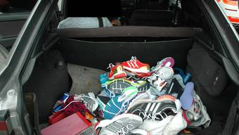 Die Polizei entdeckte im Auto der beiden Rumänen Diebesgut. (Symbolbild)