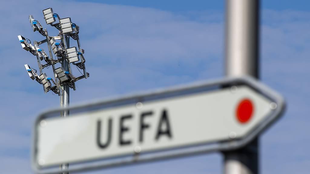 Ab dem 31. Mai übernimmt die UEFA mit den Nationalmannschaften.