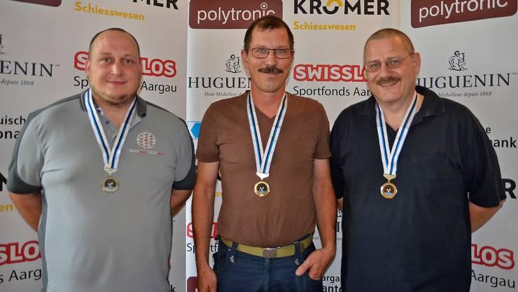 Bei den Ordonnanzgewehren setzte sich Matthias Wyder (Mitte) vor Hans Schumacher (links) und Stephan Morgenthaler durch