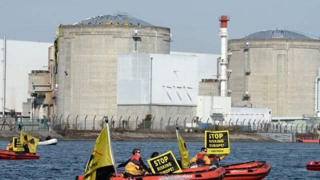 Greenpeace-Aktivisten protestieren im März vor dem AKW Fessenheim