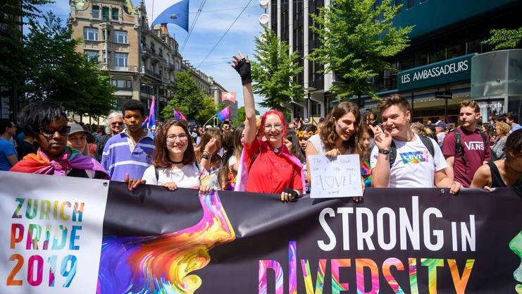 """Gay Pride 2019: Der grösste LGBTQ-Anlass in der Schweiz lief in diesem Jahr unter dem Motto """"Strong in Diversity""""."""