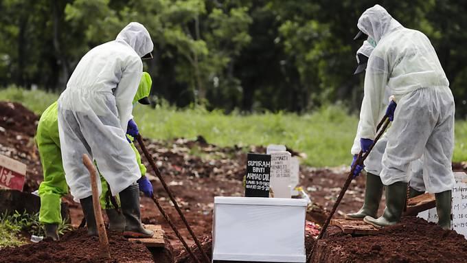 Die Zahl der Coronavirus-Toten hat weltweit die Marke von einer Million überschritten. (Archivbild)