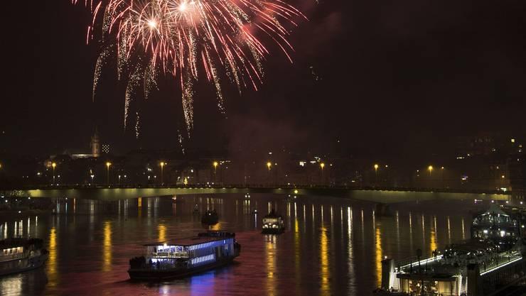 Das Feuerwerk wird um 23 Uhr gezündet. (Archiv)